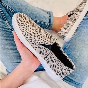 Shoes - Cheetah fashion women sneakers slip on